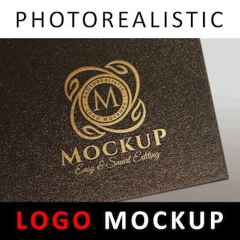 ロゴモックアップ - ゴールドフォイルスタンピングロゴメタリックブラウンペーパー