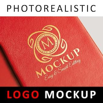 ロゴモックアップ - 革のゴールドフォイルスタンピング