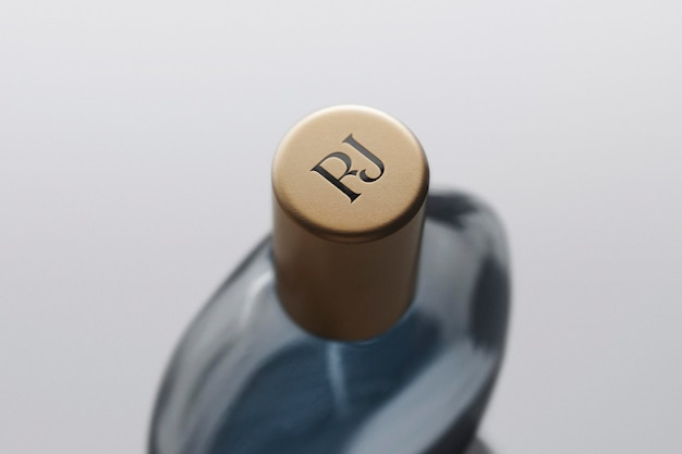 Logo mockup fragrance parfum bottle cap