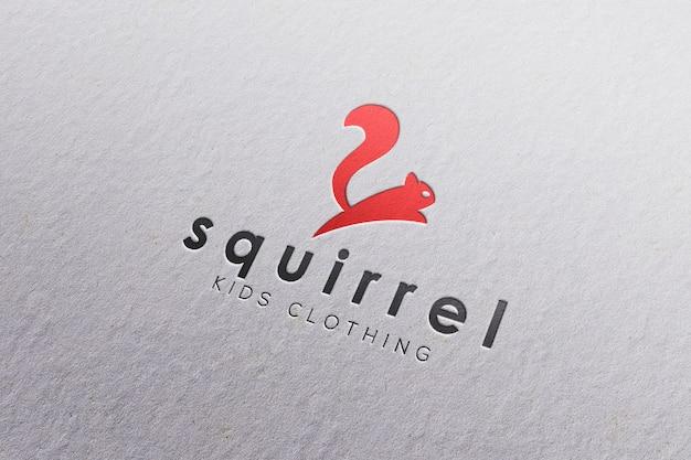 Макет логотипа в белой бумаге