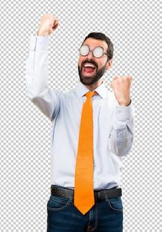 幸運な面白い男と眼鏡