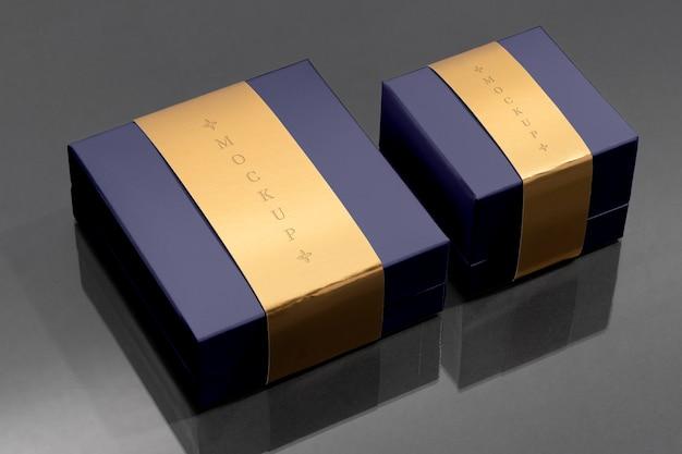 Composizione di confezioni di gioielli di lusso