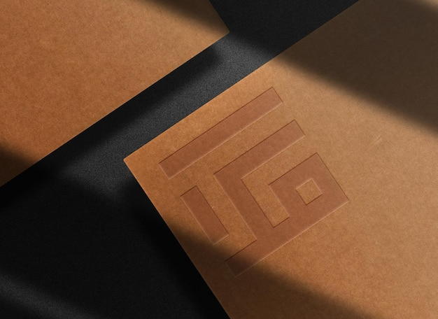 Роскошный макет с тиснением на коричневой бумаге