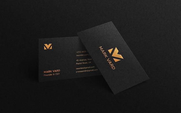 Роскошный макет визитки с тисненой печатью