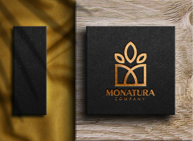 Роскошный золотой логотип макет на коробке