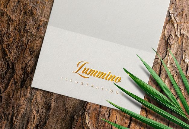 Роскошный макет логотипа на белой бумаге