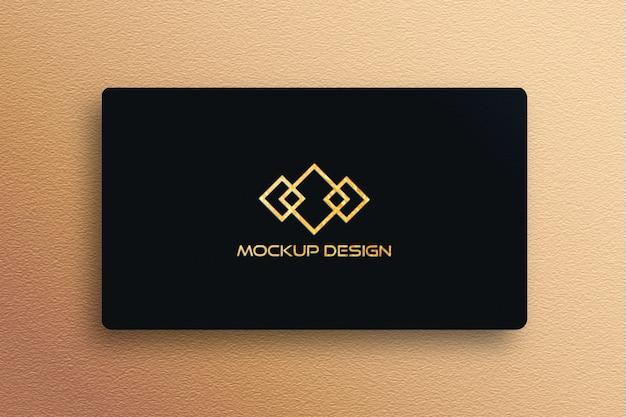 黒のビジネスカードに高級ロゴモックアップ