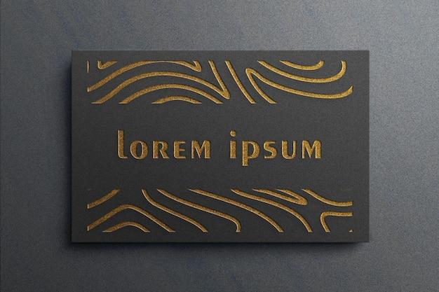 Роскошный макет логотипа на черной визитной карточке