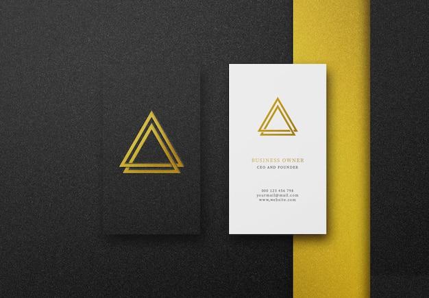 黒&白のビジネスカードの高級ロゴモックアップ