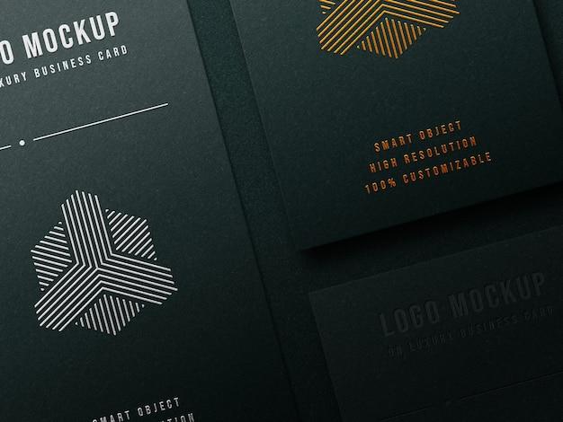 Роскошный макет логотипа на визитке с эффектом высокой печати и тиснения