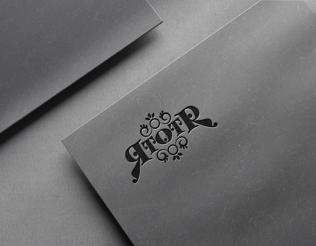 Роскошный макет логотипа на открытке с эффектом высокой печати