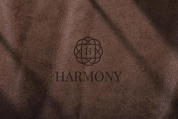 革の豪華なロゴのモックアップ