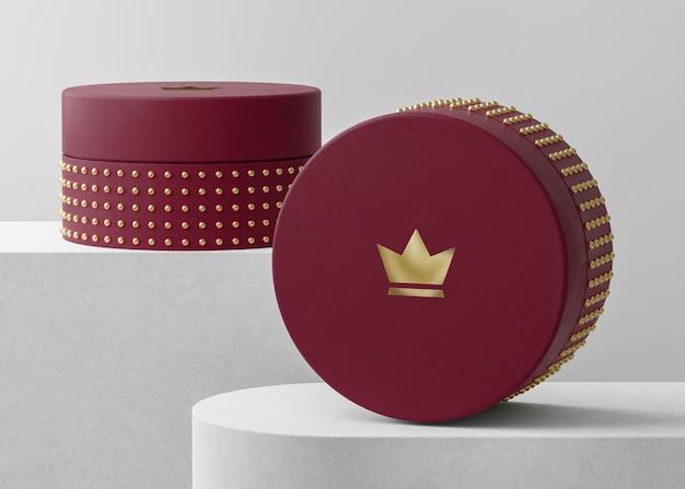브랜드 정체성 3d 렌더링을위한 빨간 보석 상자에 럭셔리 로고 모형