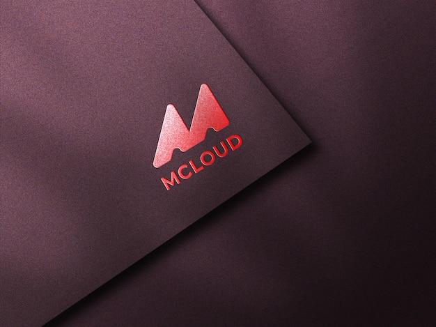エンボス加工された豪華なロゴのモックアップ