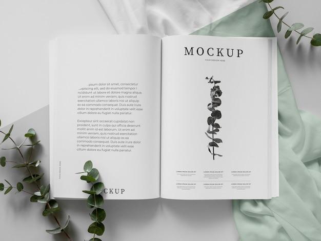 잡지 및 식물 모형 평면 배치