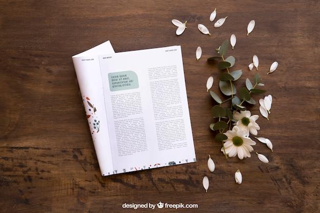 잡지 모형 및 꽃잎