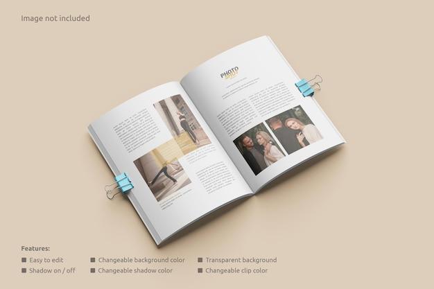 클립 투시도가 있는 잡지 모형 열기