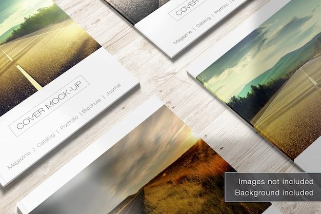 木製の背景のモックアップ、クローズアップビューのmagazinecorners