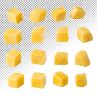 Кубики манго и дольки изолированные