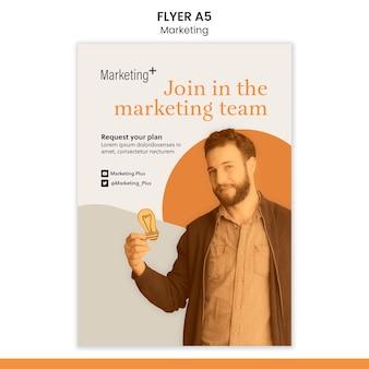 Modello di volantino di marketing con foto