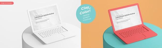Ноутбук из матовой глины на круглом подиуме, редактируемый на экране шаблон макета со сменным цветом