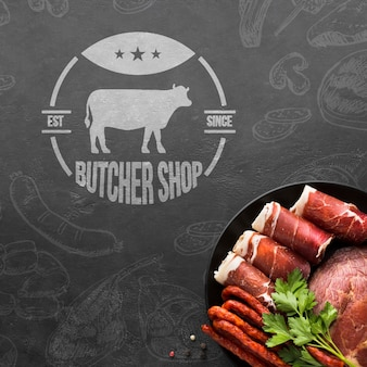 Мясные продукты с фоновым макетом