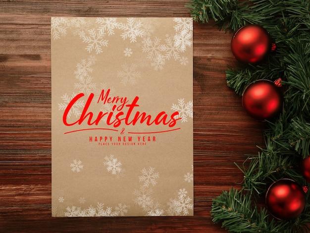 メリークリスマスと新年あけましておめでとうございますポスターモックアップ