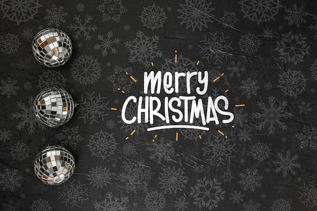 Счастливого рождества сообщение на темном фоне