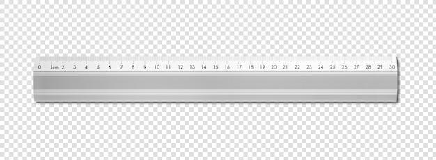 Металлическая линейка, изолированная на белом