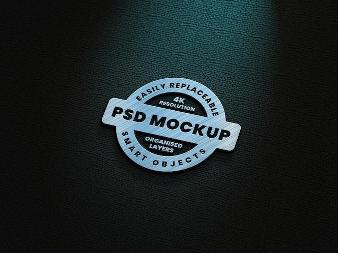 푸른 청록색 조명 효과가있는 금속 로고 모형