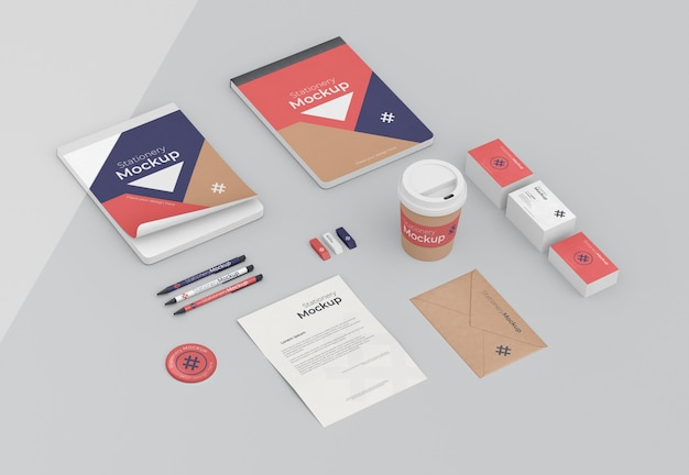 Minimal arrangement of stationery objects