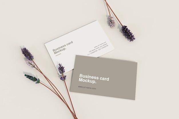 Минимальная визитка с цветочным макетом