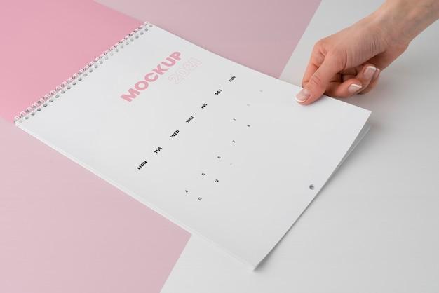 Минимальное расположение макета календаря
