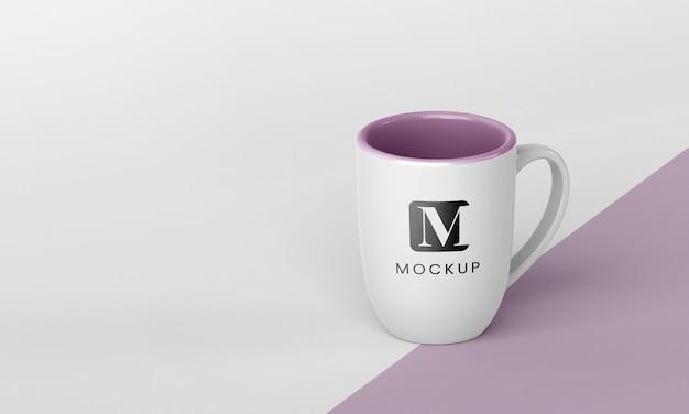 Disposizione minima della tazza da caffè con spazio per le copie