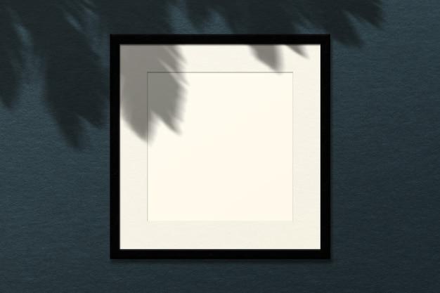最小限の空の正方形の白いフレーム画像のモックアップ