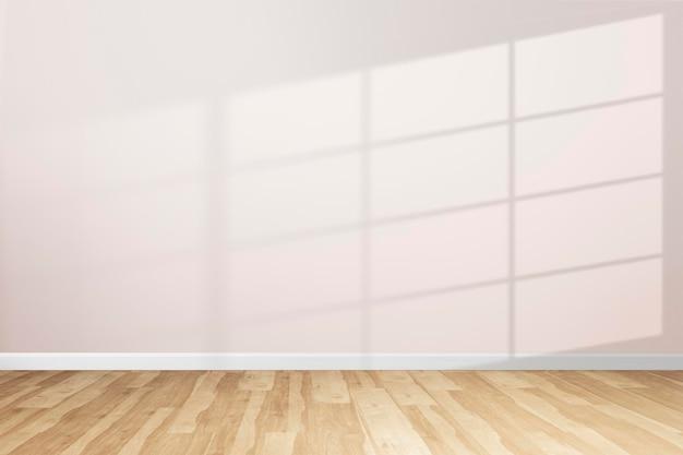 自然光を取り入れた最小限の部屋の壁のモックアップpsd