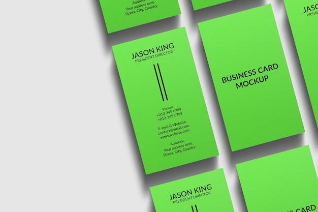 Минимальный вертикальный макет визитки