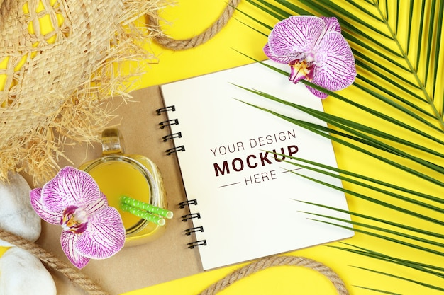 Mock notes with palm leaves and flowers