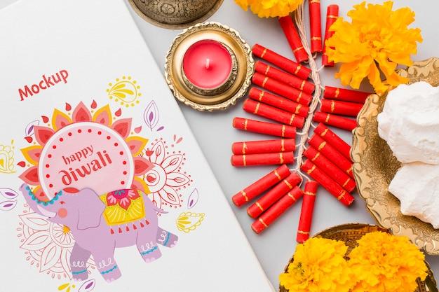 Mock-up diwali festival indù elefante e fuochi d'artificio