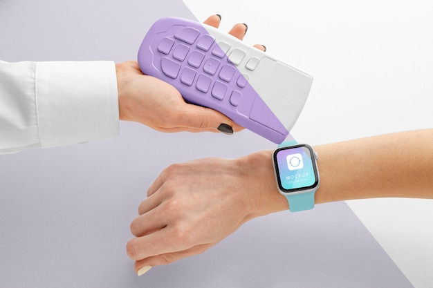 Мокап электронного платежа с умными часами Бесплатные Psd