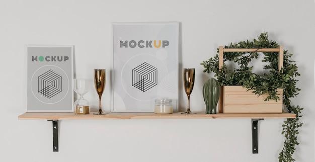 Mock up frame sullo scaffale