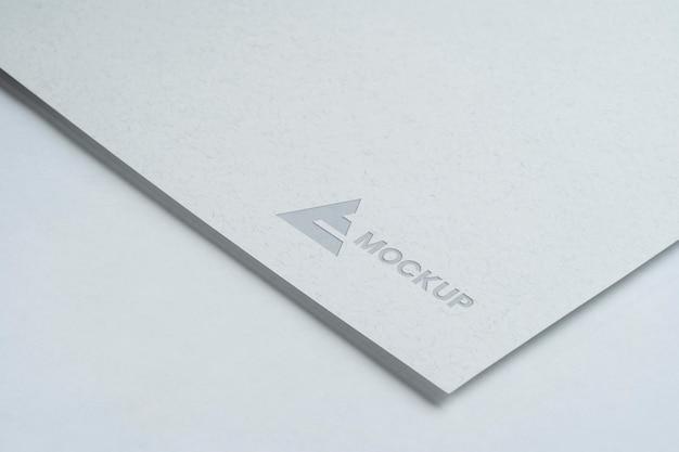 Design del logo mock-up per aziende commerciali