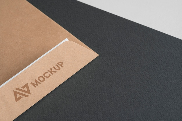 봉투에 모형 로고 디자인 사업
