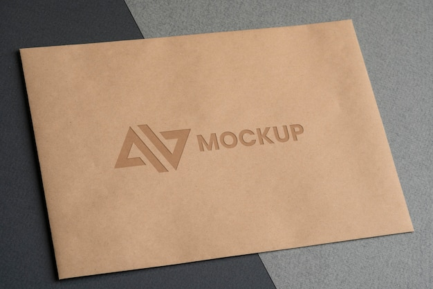 封筒のモックアップロゴデザイン事業