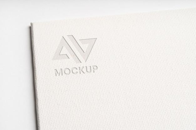 백서에 모형 로고 디자인 사업