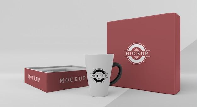 Disposizione della scatola della tazza mock-up