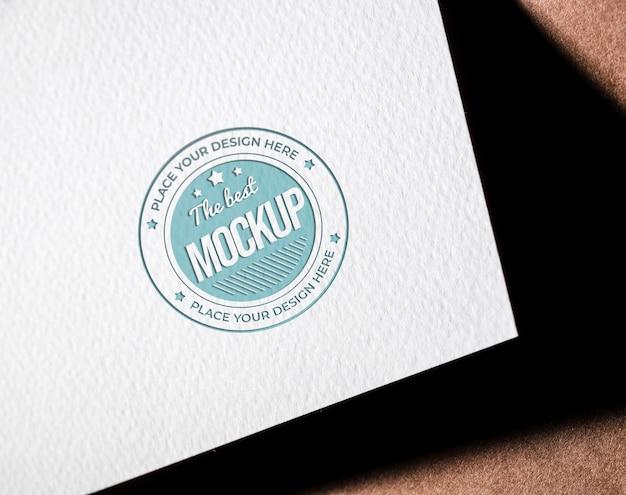 Макет визитки из грубой бумаги