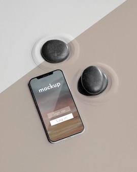 Smartphone mock-up con disposizione della sabbia