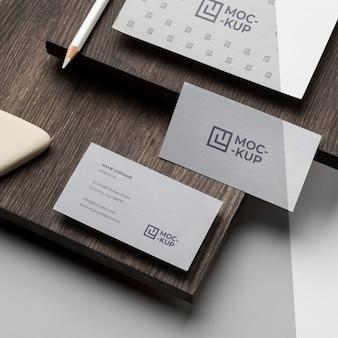 木材組成のモックアップステーショナリー