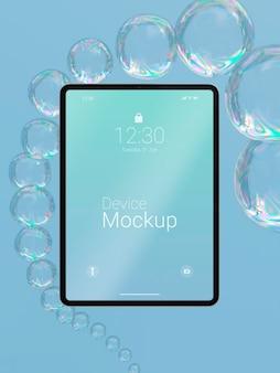 액체 요소가있는 모형 태블릿 구성